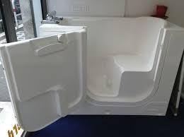 accessori vasca da bagno per anziani trasformazione vasca da bagno per anziani bagno come allestire