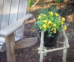 diy planter use branches to make a planter with fiskars
