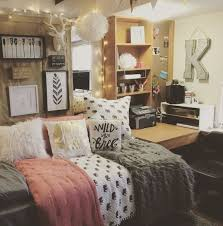 Dorm Bedding For Girls by Best 25 Dorm Room Themes Ideas On Pinterest College Dorms