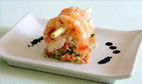 cuisine crevette grosses crevettes sur tartare de légumes la cuisine de mercotte