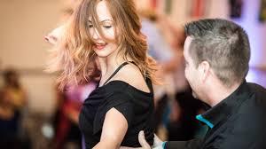 Suche Eine K He Tanzschule Freiburg Willkommen In Der Welt Des Tanzens