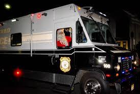 santa arrives for bloomfield u0027s tree lighting bloomfield nj news
