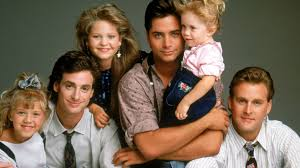 house tv series full house cast reunites sings famed tv theme song at show