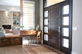 What Is A Foyer Home Staging Decorating Tips Enlarge Your Small Foyer