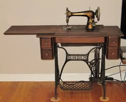 Sewing Machine With Table Identifying Vintage Sewing Machines Threads