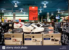golf shoes display golf town coquitlam centre mall barnet