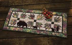paws table runner quilt kit keepsake quilting
