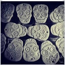 sugar skull ornaments diy mistletoe sugar skulls