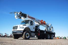 electric company truck elliott equipment company picked the freightliner m2 106 to power