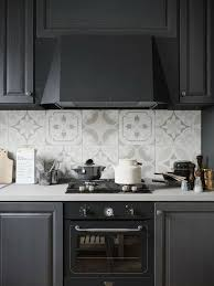 credence cuisine carreau ciment idée relooking cuisine cuisine avec crédence en carreaux