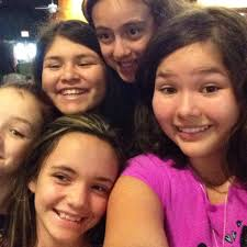 group selfies a true one at that the funny faces on these girls group selfies a true one at that the funny faces on these girls faces says alot about their mood fun and silly selfies module 2 pinterest girl