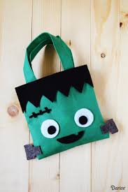 diy halloween treat bags easy felt project darice