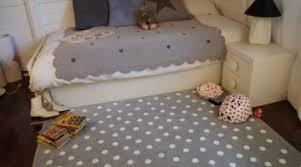 tapis pour chambre enfant inouï tapis de chambre tapis chambre enfant papillons bleu de