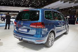 vw minivan 2015 live photos 2015 vw sharan facelift gets new engines carplay and
