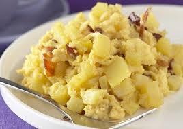 que cuisiner avec des oeufs oeufs brouillés pommes croquantes et copeaux de bacon recettes de