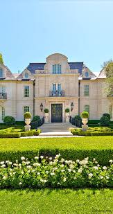 Italian Style Houses by Best 25 French Chateau Homes Ideas On Pinterest French Chateau