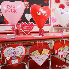 Decorate Valentine Box For Boy Valentines Day Chair Decorating Idea Valentines Day Class Party
