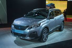 peugeot mpv 2017 2017 peugeot 5008 revealed with striking new look autocar