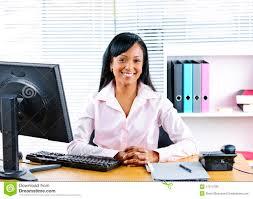 affaires de bureau femme d affaires de sourire au bureau image stock image du
