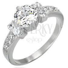 eljegyzesi gyuru eljegyzési gyűrű egy nagy és tíz kisebb cirkónia kővel ekszer eshop
