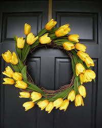tulip wreath erin hawley diy summer tulip wreath