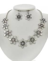 silver necklace set images Silver daisy chain necklace set accessherize jpg