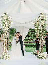 Wedding In My Backyard 60 Amazing Wedding Altar Ideas U0026 Structures For Your Ceremony Brides