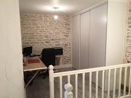 je vais au bureau mon bureau photo 2 12 il se trouve à l étage dans une pièce sans