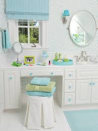 Bathroom Ideas For Girls by Turquoise And White Teen Bathroom This Fun And Functional Bathroom