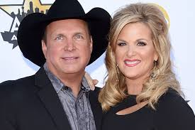 trisha yearwood surprises garth brooks with his u0027favorite