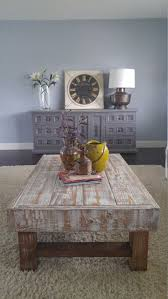 Distressed Coffee Tables by Best 25 Distressed Coffee Tables Ideas Only On Pinterest