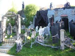 halloween decorated house halloween decorating ideas scary artofdomaining com