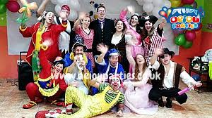 clown entertainer for children s kids party entertainer offer children s party entertainers in birmingham