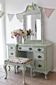 How To Paint A Vanity Top Best 25 Paint Vanity Ideas On Pinterest Pink Vintage Bedroom