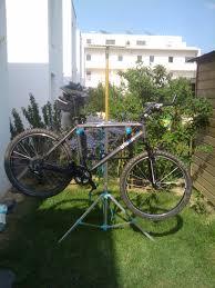 fabriquer son porte velo tuto se faire un pied d u0027atelier pour vélo u2013 vtt guido