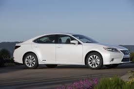 2014 lexus hybrid totd 2014 lincoln mkz hybrid or lexus es 300h motor trend wot