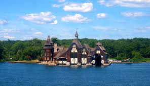 1000 islands castles dot waterways with history heartache wake boldt castle yacht house