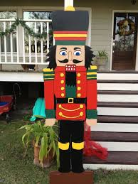 Christmas Yard Decorations by Best 25 Christmas Yard Decorations Ideas On Pinterest Outdoor