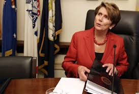 nancy pelosi bob hairdo nancy pelosi s short haircut is so trendy photos huffpost
