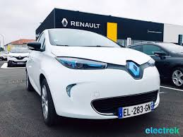 renault europe 7 renault zoe white electric vehicle front view hood blue light