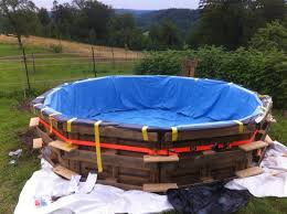 How To Build An Igloo In Your Backyard - this diy pallet swimming pool is perfect for any backyard