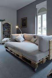 trasformare un letto in un divano pallet mania il letto fai da te di bancali ti far罌 sognare