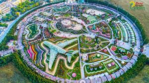 dubai miracle garden world u0027s largest flower garden cnn travel