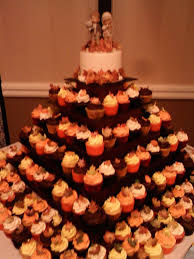wedding cake and cupcakes fall wedding cake and cupcakes cakecentral