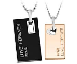 his and hers dog tags his and hers matching dog tag necklaces set for couples in 316l