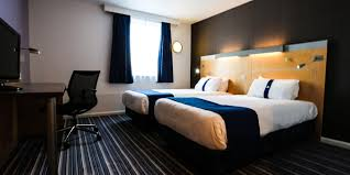 hotels in covent garden with family rooms hotel near birmingham airport with parking holiday inn express