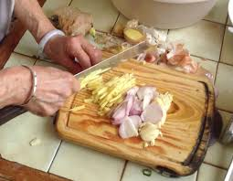 cuisine chinoise poisson boulettes de poissons et brèdes mafane à la chinoise une toute