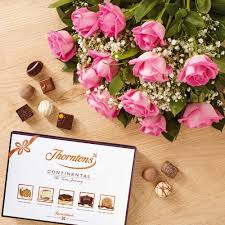 e flowers flower delivery order flowers and chocolates by post uk thorntons