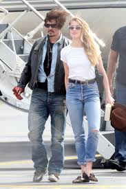 Heard Amber Heard Charged For Smuggling Dogs Into Australia Ny Daily News