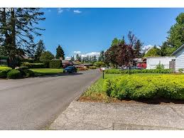 400 se 111th ave portland or 97216 mls 17524759 redfin